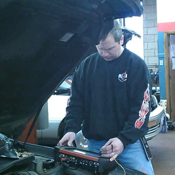Dan Murray of Colonial Auto Service